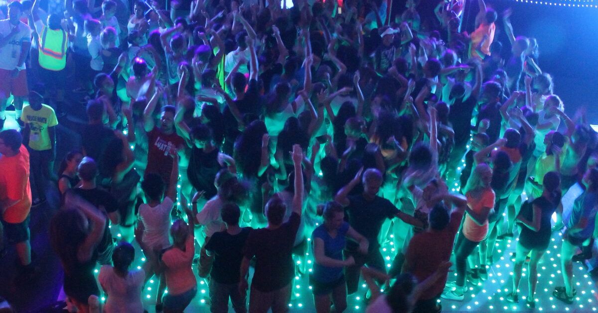 Led starlight dance floor colorado event productions for 1 2 3 4 sexin on the dance floor