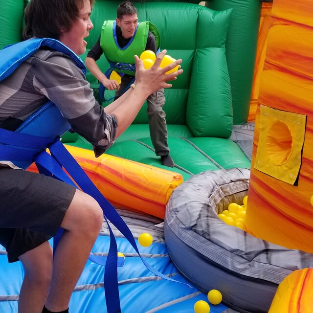 AIRBOUND-Hippo-Tug-N-Dunk-(9)